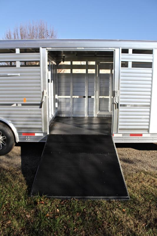 2019 Sooner 26ft Show Cattle with Floating Gate/Hydraulic Jack