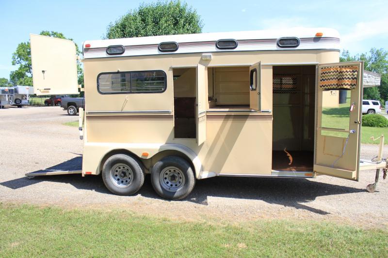 1992 Kiefer 2 horse Bumper pull Straight Load