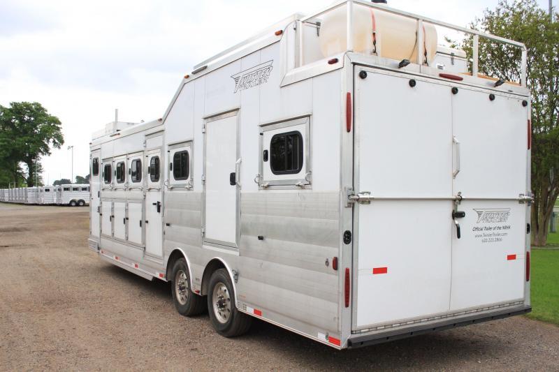 2015 Twister Custom 4 Horse bumper