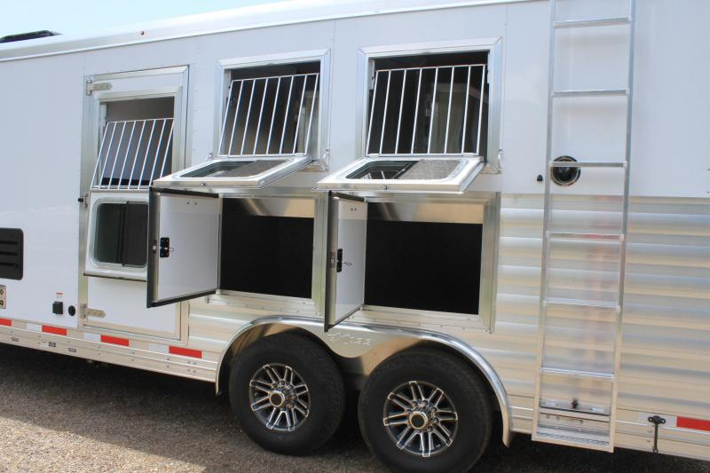 2020 Exiss 3 Horse with 10' Lq w/ Generator