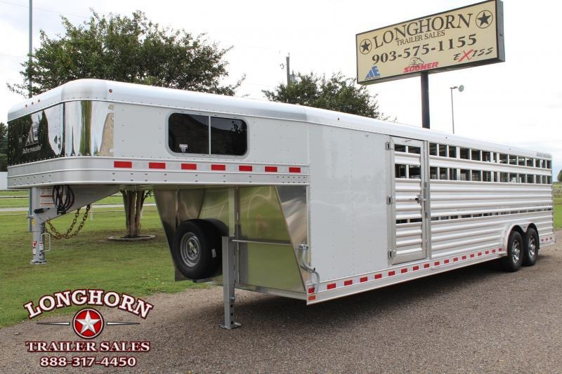 2019 Elite 28ft Show Cattle with 5ft Tack Room