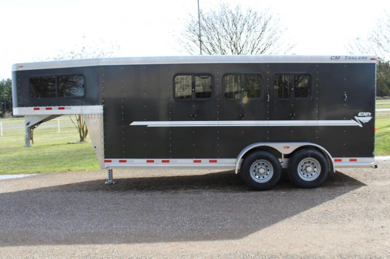 2015 CM 3 Horse Gooseneck with Drop Windows on Head