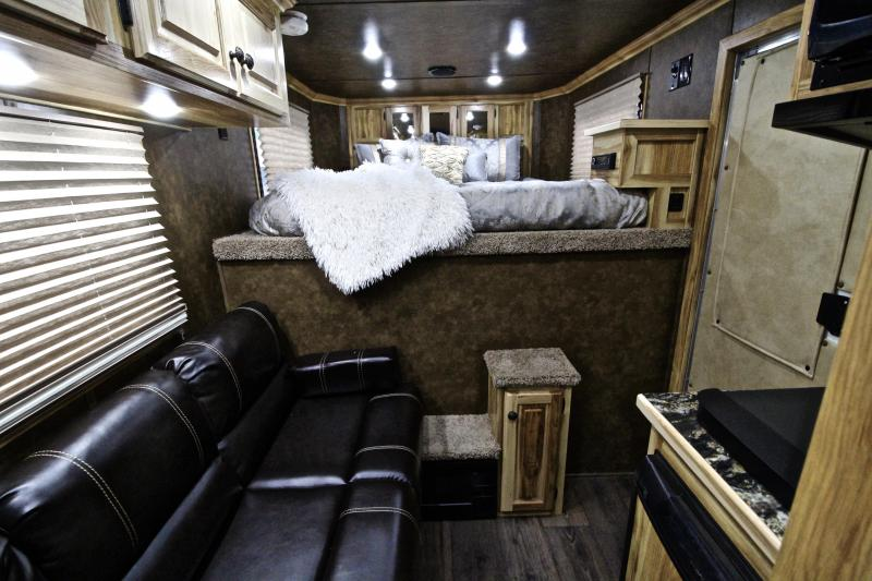 2019 Sundowner 3 Horse 6ft Shortwall with Electric Awning