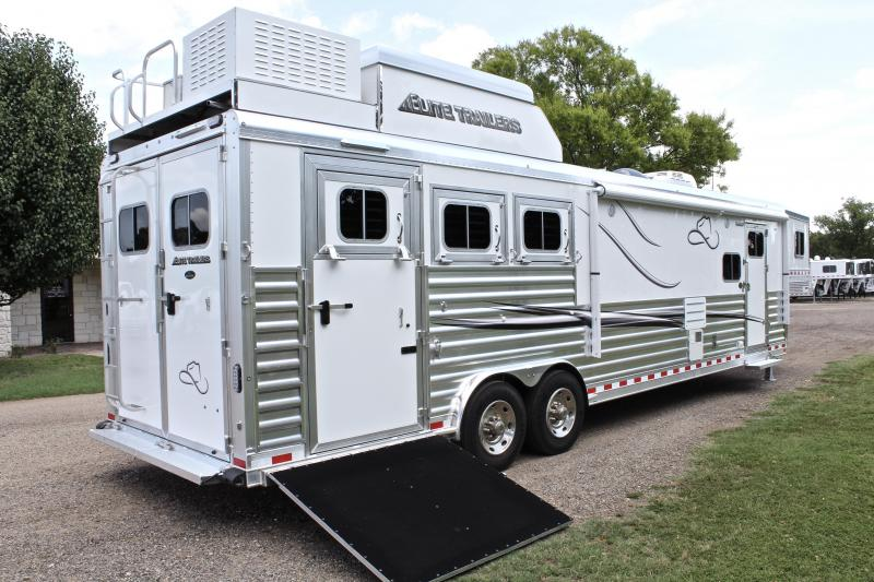 2019 Elite 3 Horse 15ft Resistol LQ with Slide