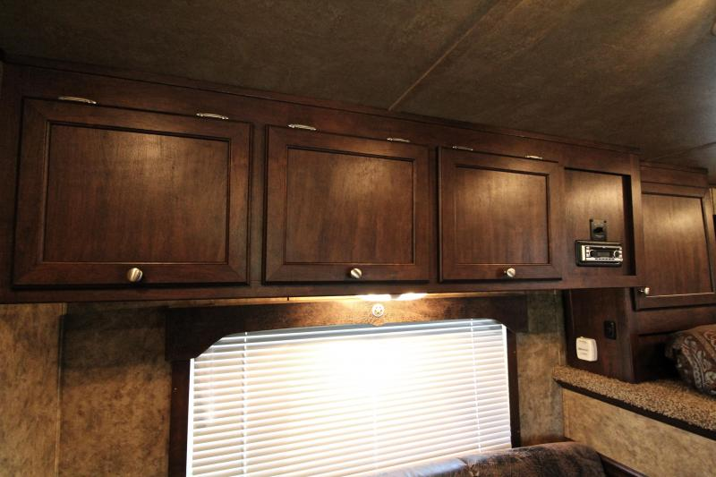 2015 Exiss 8ft Shortwall Stock Living Quarter with Midtack