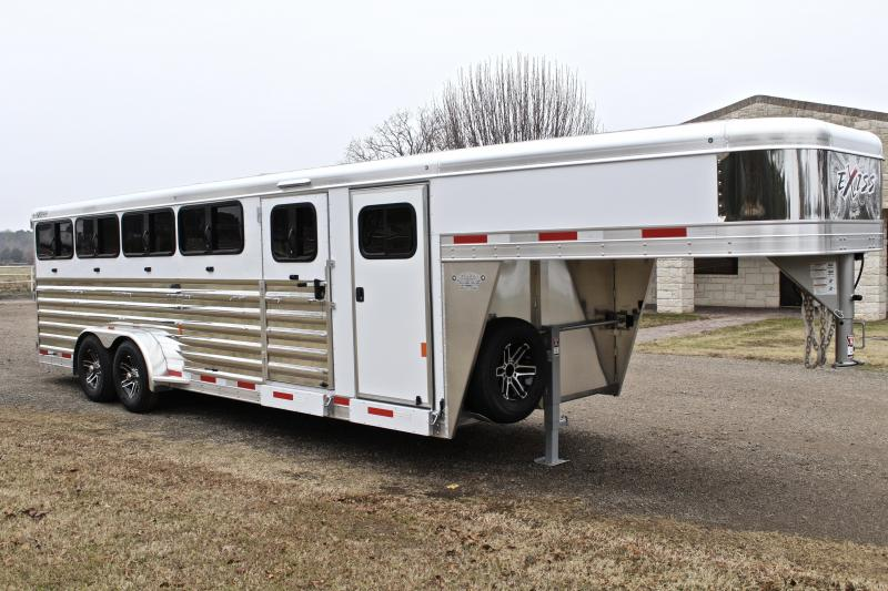 2018 Exiss 24ft Low Pro 10 Pen System with Tack Room