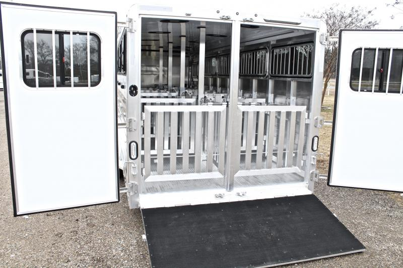 2019 Exiss 24ft Low Pro 10 Pen System with Tack Room