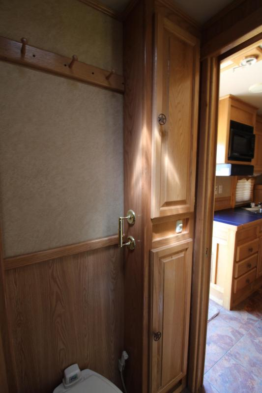 2005 Eby 4 Horse with 10ft Shortwall with Mangers