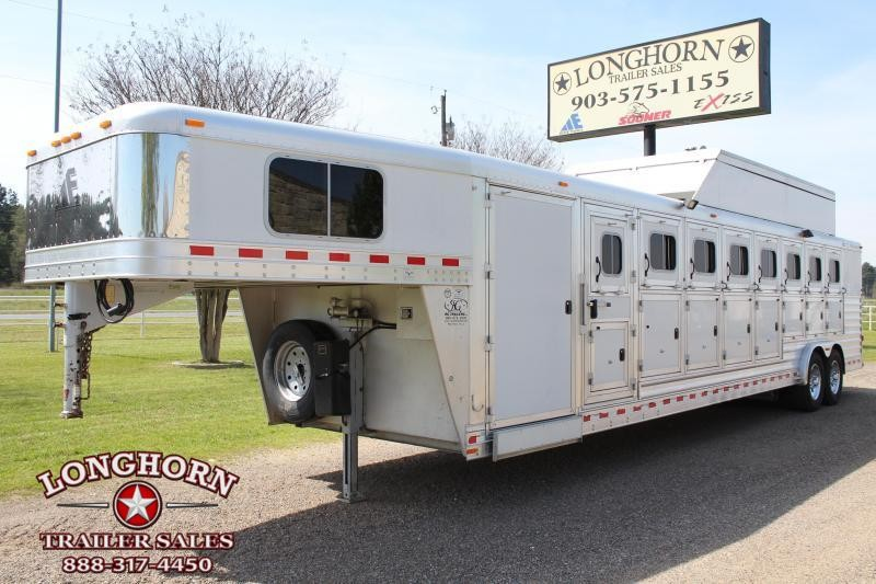 2009 Elite 8 Horse with Mangers and Air Ride