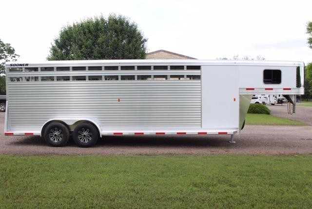2019 Sooner 24ft Stock Combo with 4ft Tack Room Livestock Trailer