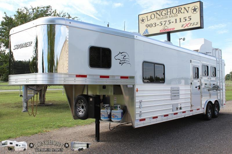 2019 Sooner 3 Horse with an 11.5ft Shortwall with Generator