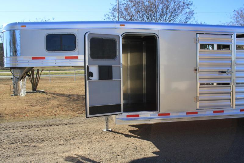 2018 Exiss 28ft Show Cattle Combo with 6ft Tack