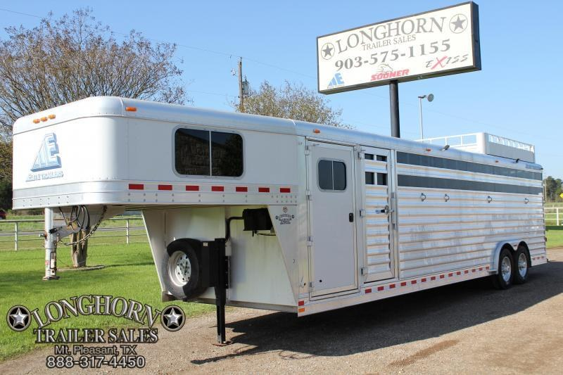 2010 Elite 6 Horse Stock Combo with Trainer Style Tack Room