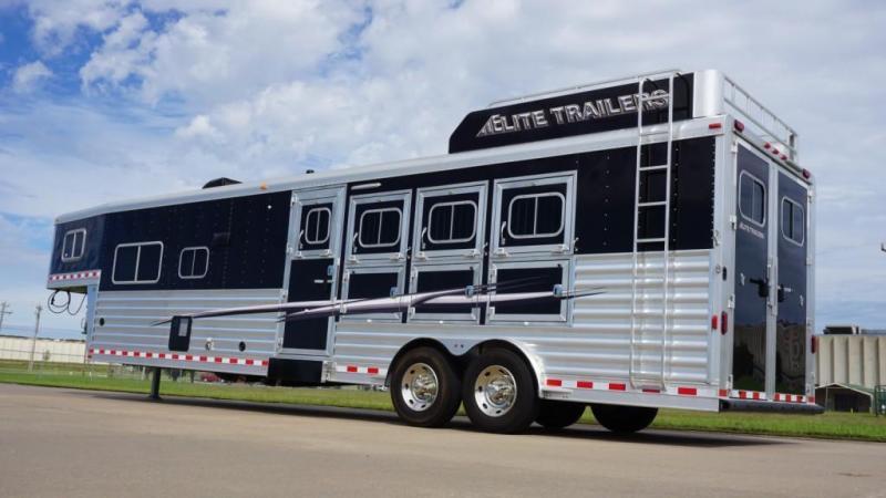 2017 Elite 4 Horse 13.8ft Shortwall with Sofa/Half Dinette