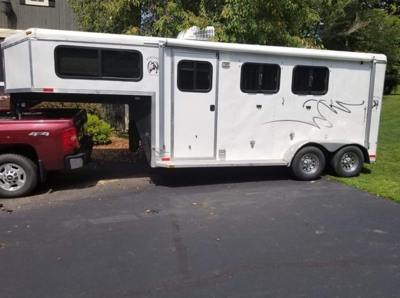 2014 Homesteader Stallion 2 Horse Slant Trailer
