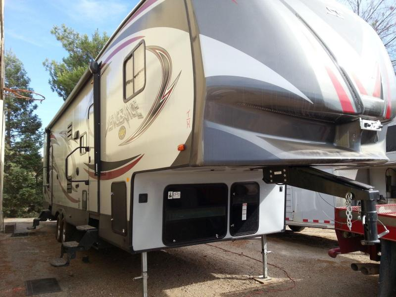 2017 Forest River Vengenance 312A Fifth Wheel Toy Hauler in Arlington, AZ