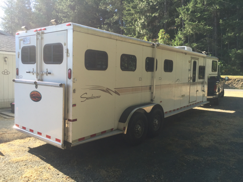 2001 Sundowner Trailers 4 Horse/Living Quarters Trailer