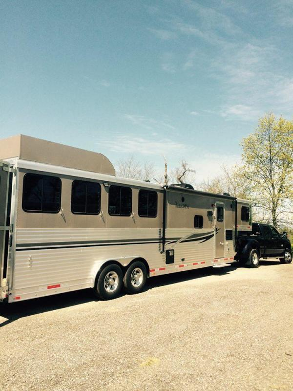 2014 Lakota Charger 4 Horse Trailer with LQ