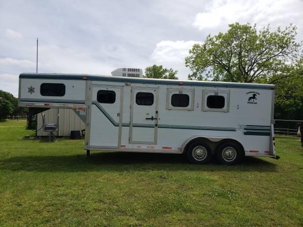 1995 Jamco 3 Horse Slant Aluminum Gooseneck Horse Trailer