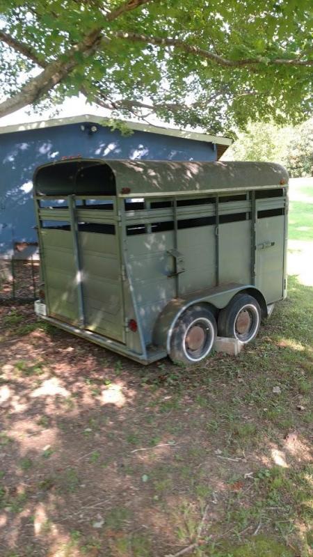 1988 Triune Trailers 2 Horse Bumper Pull Trailer in Ashburn, VA