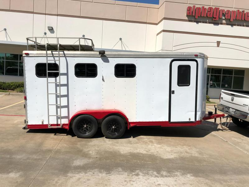 2000 Featherlite 3 Horse Slant BP Trailer