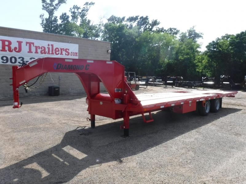 2019 Diamond C Trailers 102 x 32 Fmax216 Equipment Trailer in De Queen, AR