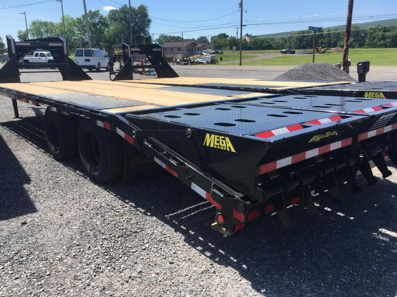 2019 Big Tex Trailers 22GN-20BK+5MR Gooseneck Equipment Trailer