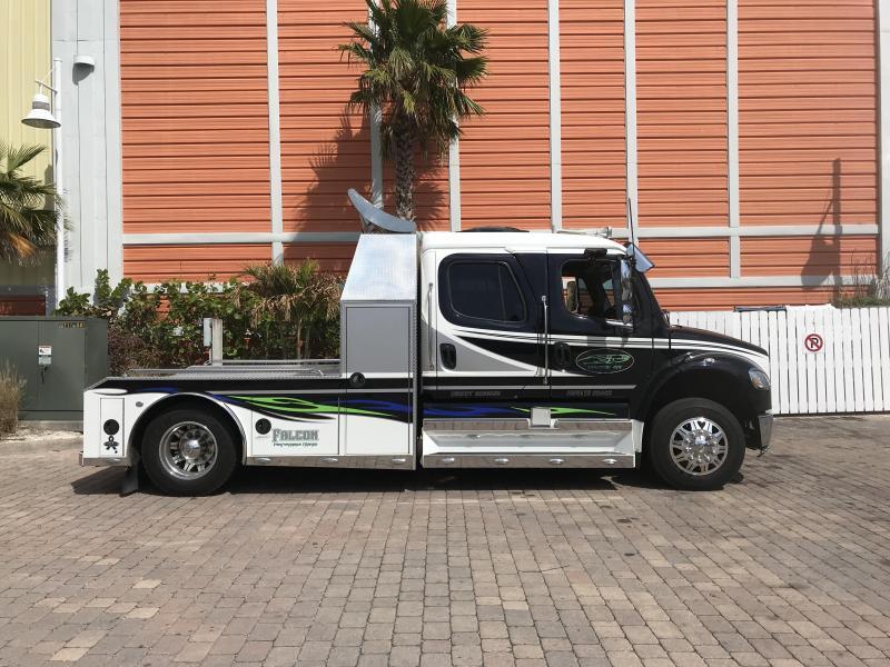 2007 Freightliner SportsChassis Truck