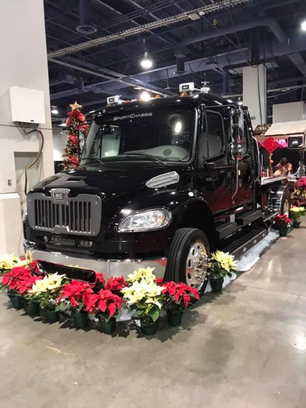 2014 Freightliner Heavy Duty SportChassis 350