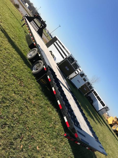 2016 Big Tex Trailers 22 GN hydraulic dovetail Material Handling