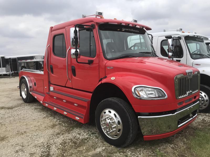 2013 Freightliner SportsChassis Truck