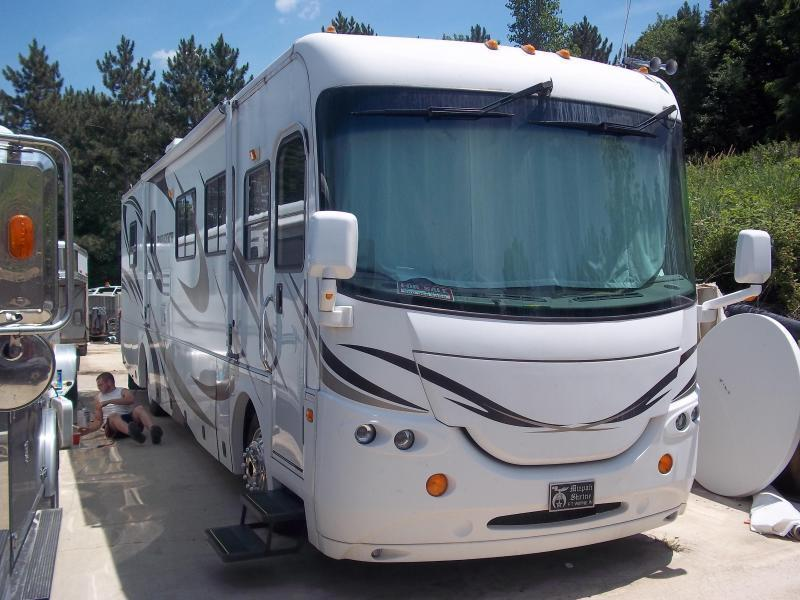 2007 Coachmen Cross Country 389 Class A RV in Ashburn, VA