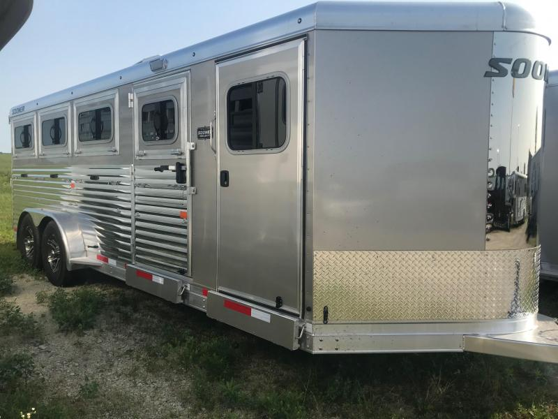 2019 Sooner Select 720W 8 Pen Trailer - AC and Flooring