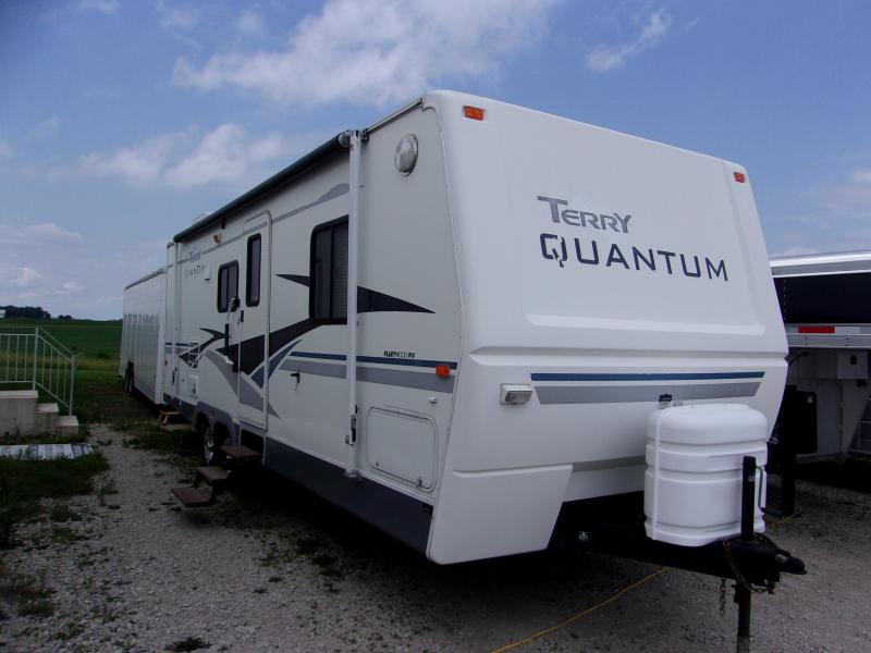 2004 Fleetwood RV Terry Qauntum Class C RV