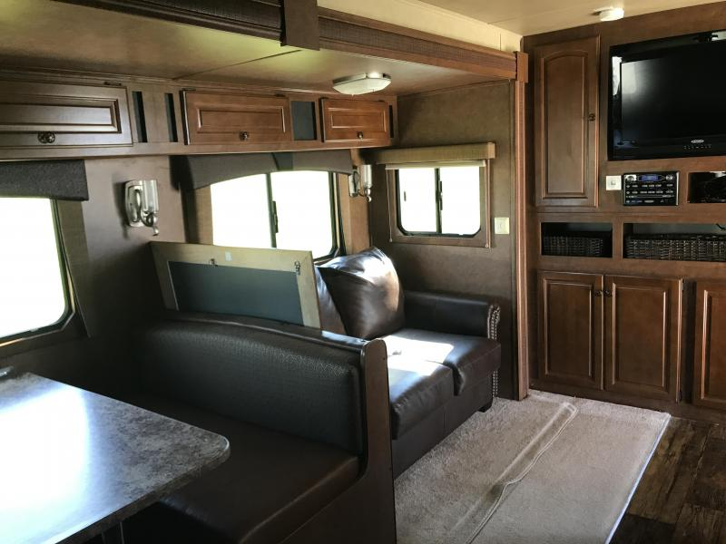 2012 Bison 8417 TM LQ Horse Trailer