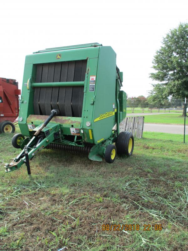 2006 John Deere 567 Round Baler | Ferge Auctions and Realty