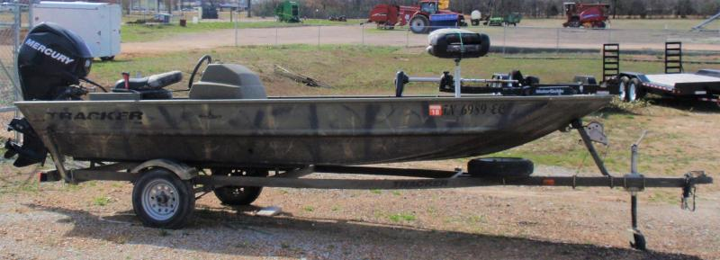 2012 TRACKER BLIND DUCK 1648 FISHING BOAT