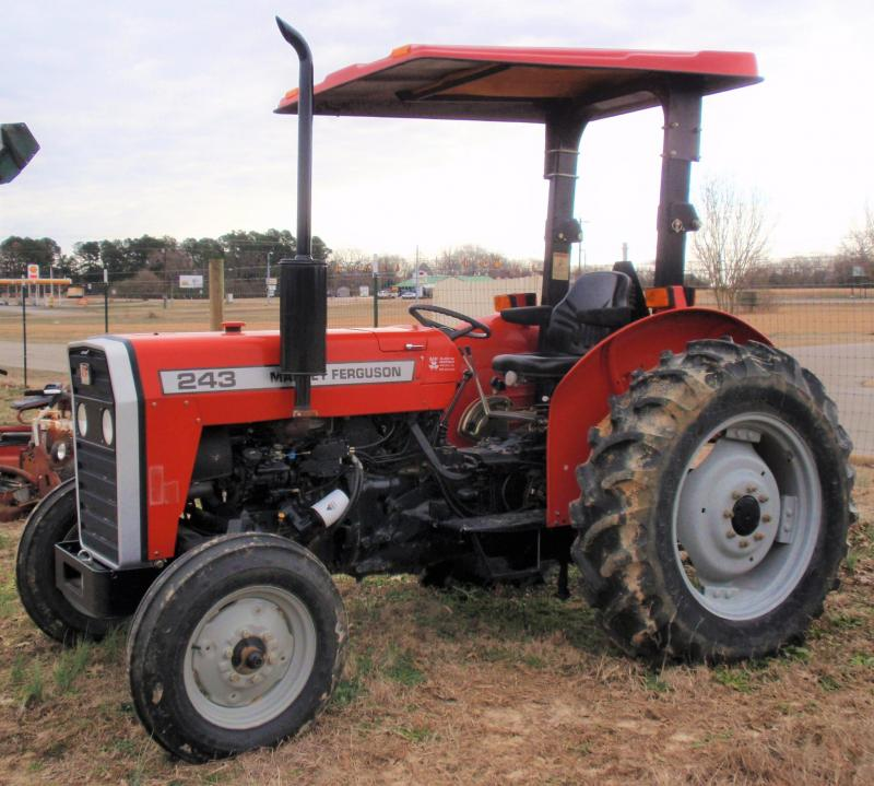 2000 Massey Ferguson 243 Tractor