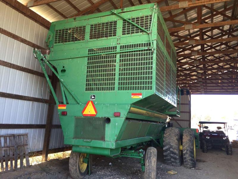 1999 John Deere 7455 Cotton Stripper