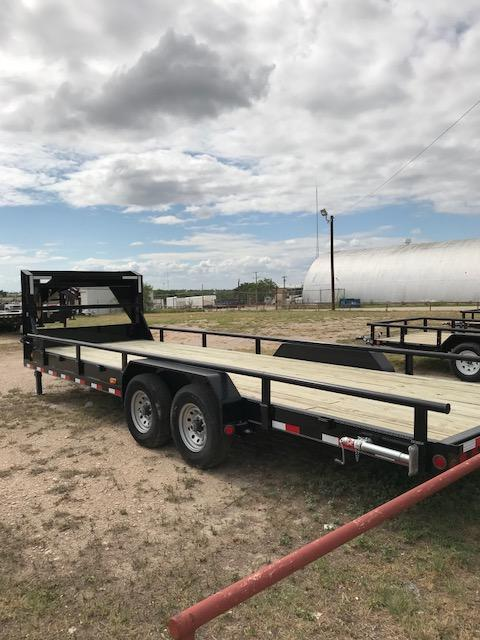 2017 PJ Trailers C8R2472BSSKM Equipment Trailer