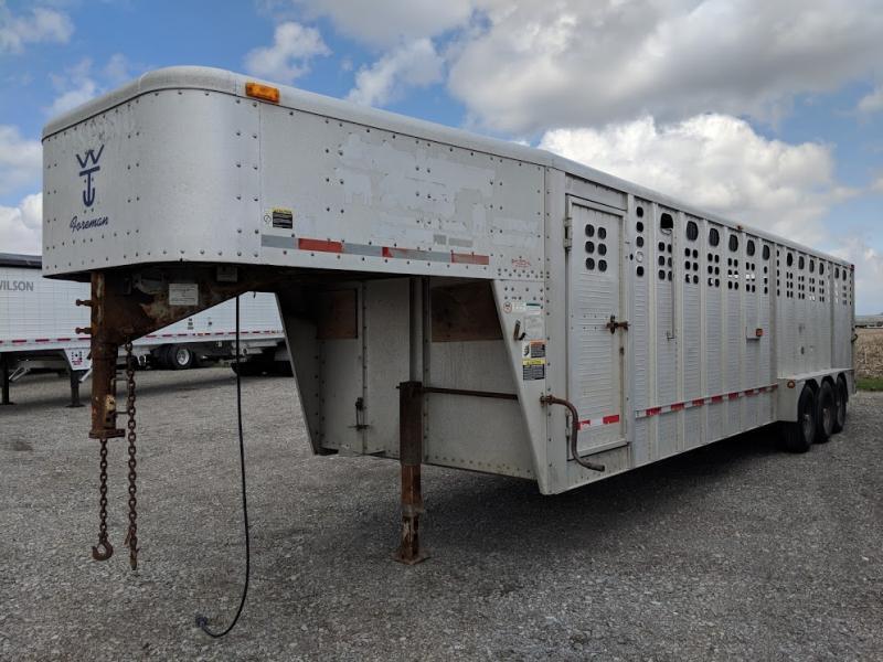2008 Wilson 30' Gn Livestock Trailer