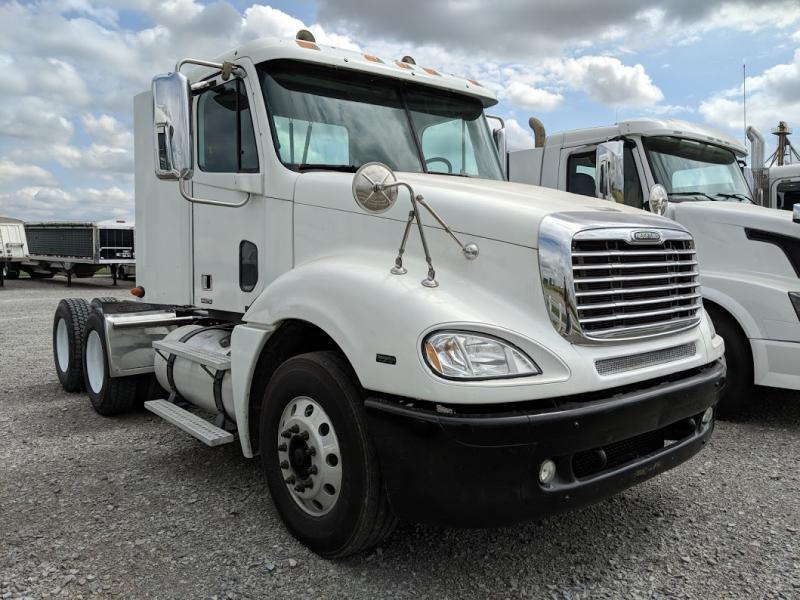 2007 Freightliner Columbia Semi Truck