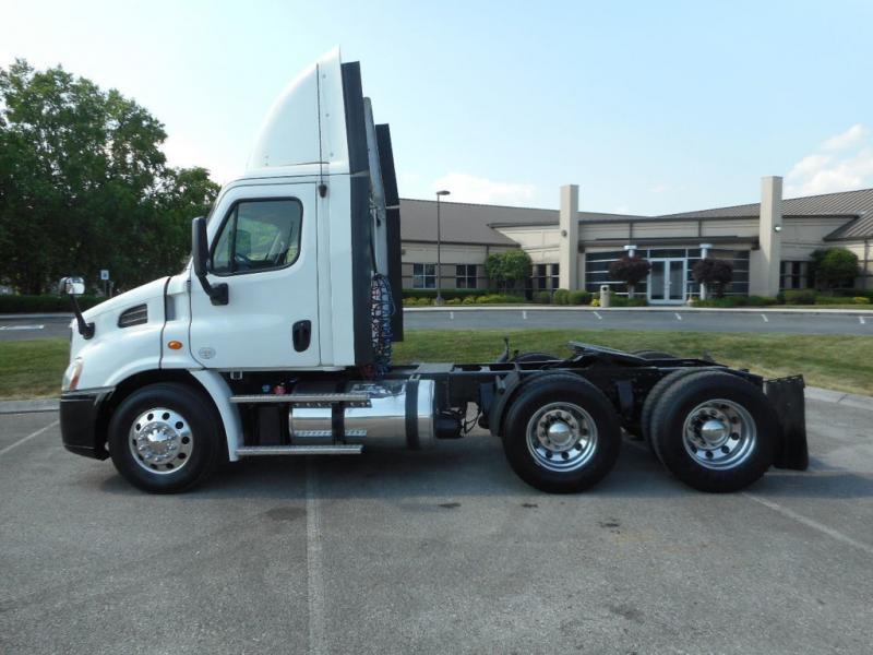 2013 Freightliner Semi Truck