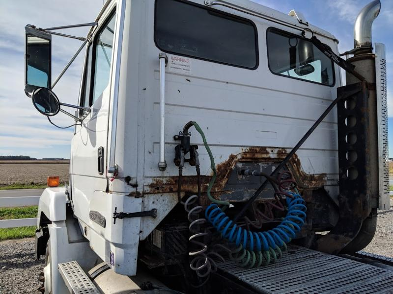 1994 Freightliner Semi Truck