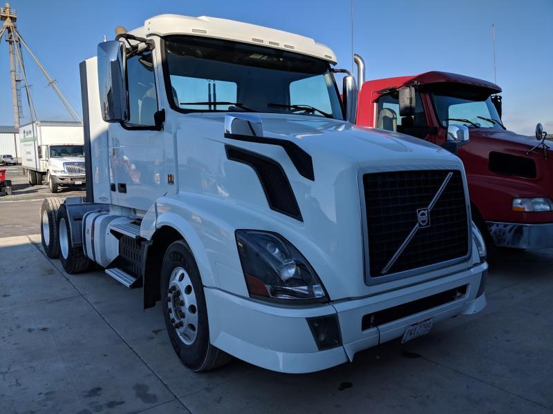 2013 Volvo Vnl64t Truck #3990