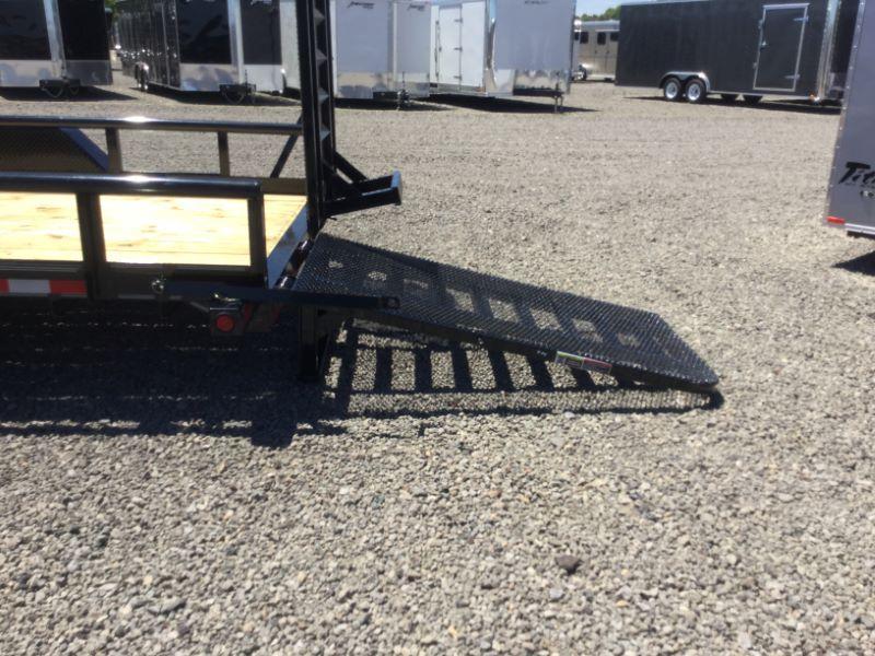 2016 Load Trail CP83X20TAEQT Equipment Trailer
