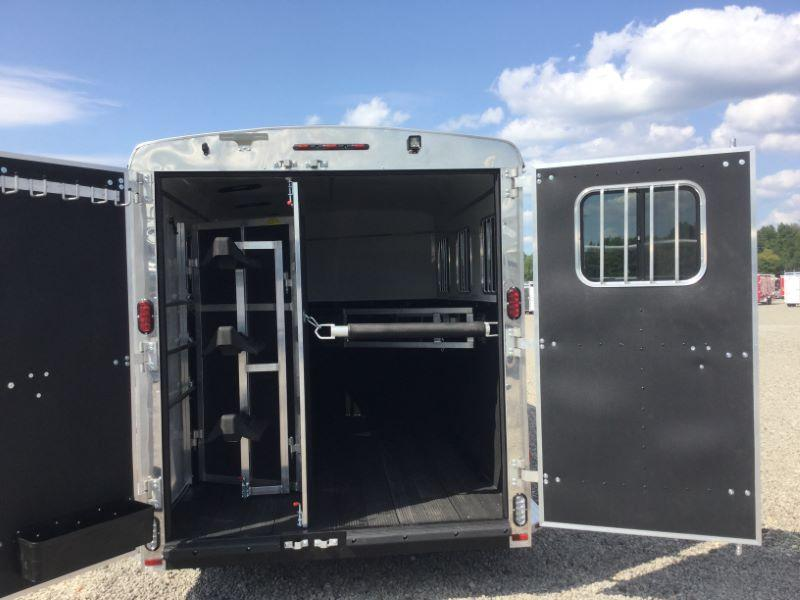 2017 Homesteader 316SG Horse Trailer