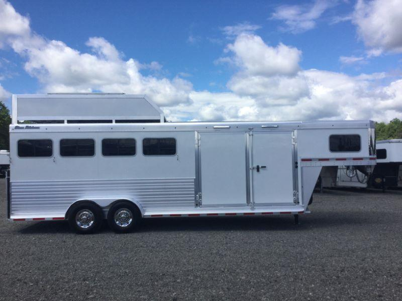 2015 Blue Ribbon Trailers BRXT400CT Horse Trailer