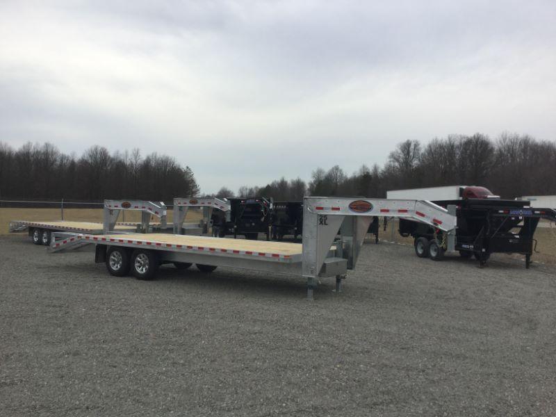 2017 Sundowner Trailers 25XLGN Equipment Trailer
