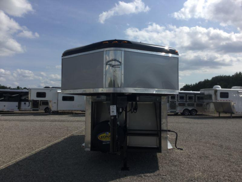 2017 Homesteader 316SG Horse Trailer